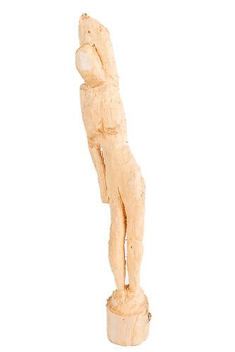 Holzstatue aus einem Ast